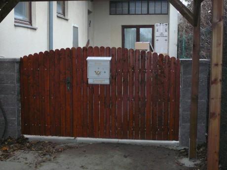 Zahradní vrata